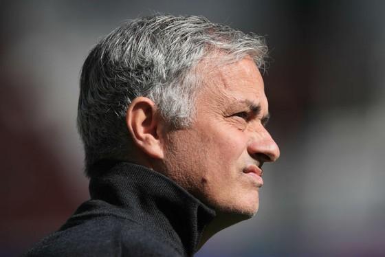 Jose Mourinho đang cảm nhận về những điều bất thường? . Ảnh: Getty Images