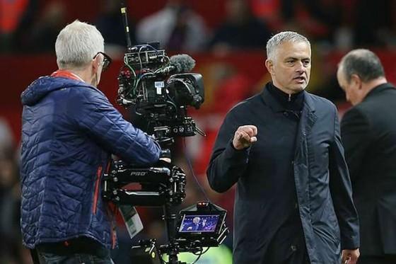 Hành vi dẫn đến Jose Mourinho bị buộc tội. Ảnh: newyorktimesmedia.com