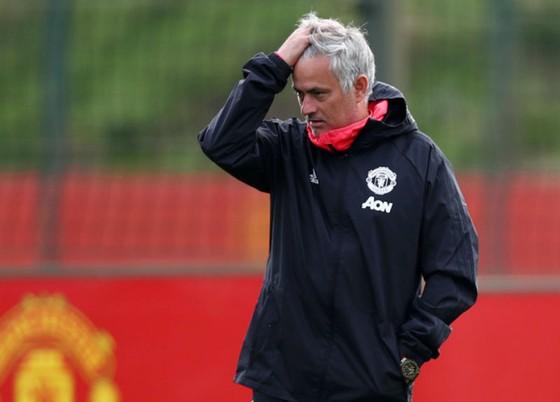 HLV Jose Mourinho vẫn đau đầu giải quyết tình hình ở Man.United. Ảnh: Getty Images