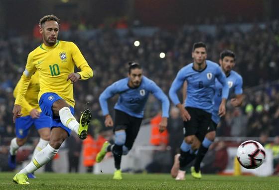Giao hữu, Uruguay - Brazil 0-1: Neymar tiến gần huyền thoại