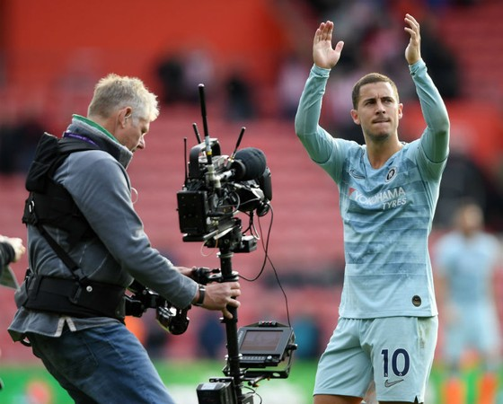 Eden Hazard liên tiếp công khai về khả năng rời Chelsea. Ảnh: Getty Images