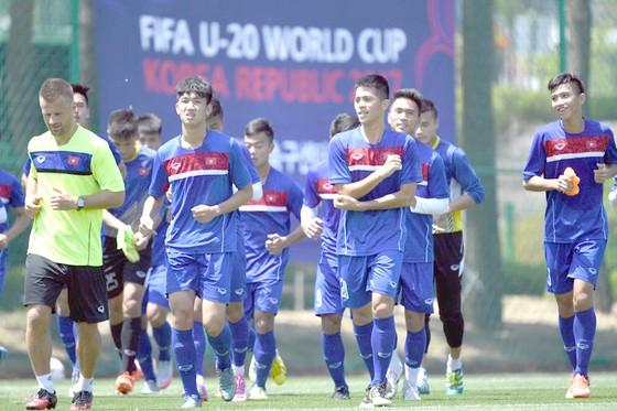 Các cầu thủ U20 Việt Nam xác định sẽ đánh bại New Zealand.