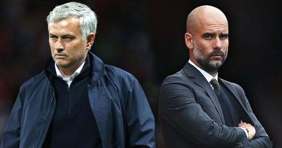 Premier League đang hy vọng vào những nhà cầm quân hàng đầu Pep Guardiola (phải) và Jose Mourinho.