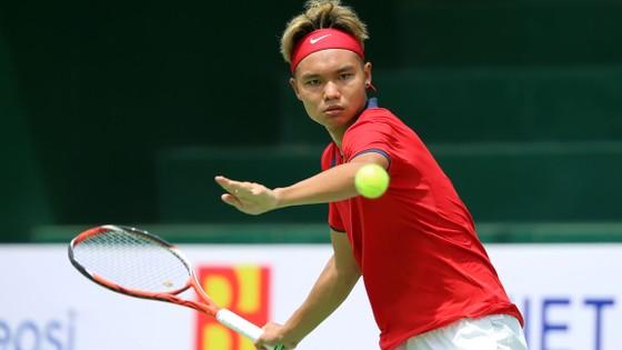 Tay vợt trẻ Trịnh Linh Giang đã có bước tiến khá lớn khi tăng 306 bậc, đứng hạng 1.332 thế giới.