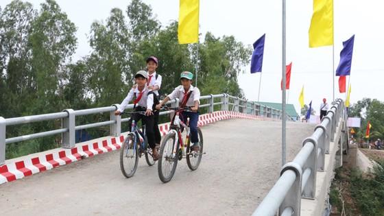 Khánh thành 7 cây cầu nông thôn tại tỉnh Đồng Tháp ảnh 1