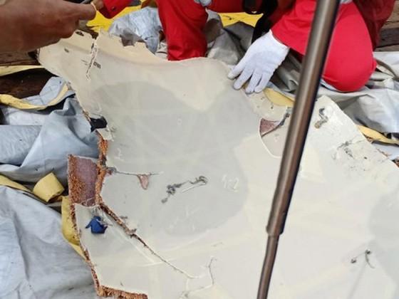 Máy bay của hãng  Lion Air chở 188 hành khách lao xuống biển ảnh 4