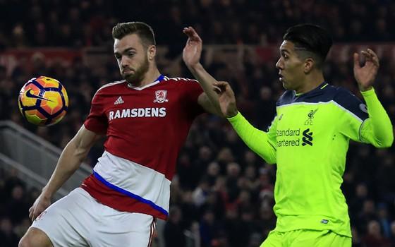 Liverpool (phải) cần phải giành chiến thắng trước Middlesbrough.