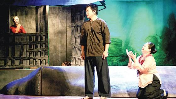 Nỗi lo lớn của sân khấu truyền thống ảnh 1