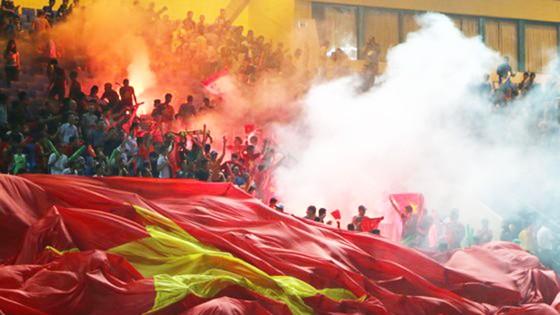 Niềm vui của CĐV Việt Nam sau bàn mở tỷ số trong trận đấu với Campuchia