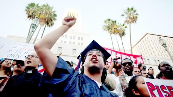 Trường học Mỹ xoay xở với DACA ảnh 1