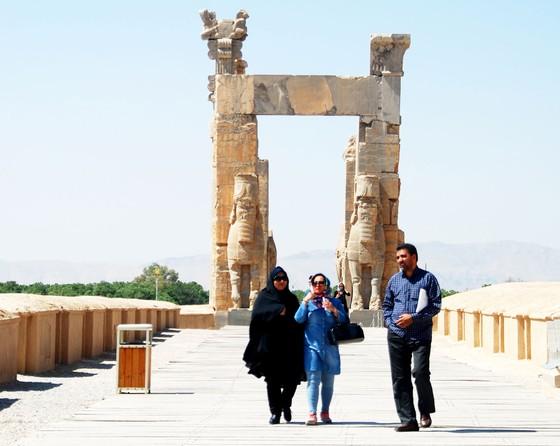 Ngược xuôi trên đất Iran ảnh 1