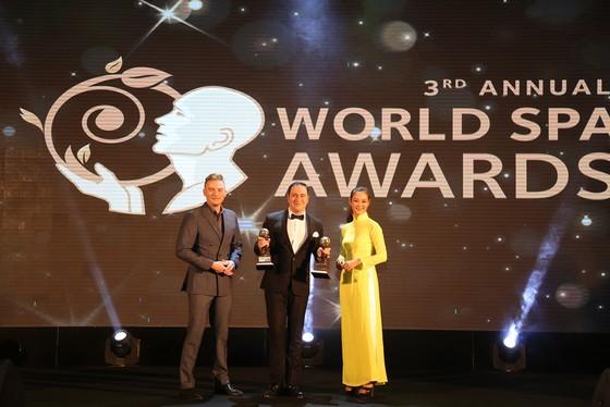 InterContinental Danang Sun Peninsula Resort làm nên điều chưa từng có trong lịch sử World Travel Awards ảnh 1