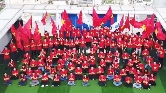 Quang cảnh Buổi Lễ Cổ động của Ban Lãnh đạo, CB-CNV Công ty tập đoàn Xây dựng Hòa Bình