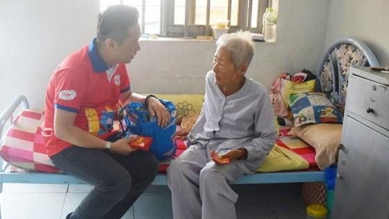 Công ty AFF lan tỏa tinh thần và nụ cười chiến thắng tuyển U23 Việt Nam đến với người nghèo ảnh 2