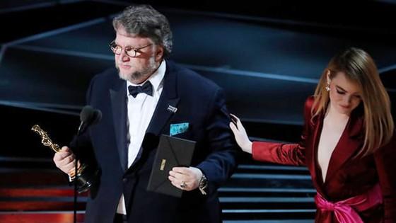 """""""The Shape of Water"""" thắng giải Oscar Phim hay nhất ảnh 14"""