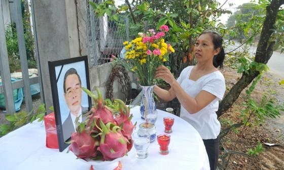Đông đảo các tầng lớp nhân dân đưa tiễn nguyên Thủ tướng Phan Văn Khải ảnh 54