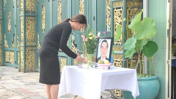 Đông đảo các tầng lớp nhân dân đưa tiễn nguyên Thủ tướng Phan Văn Khải ảnh 52
