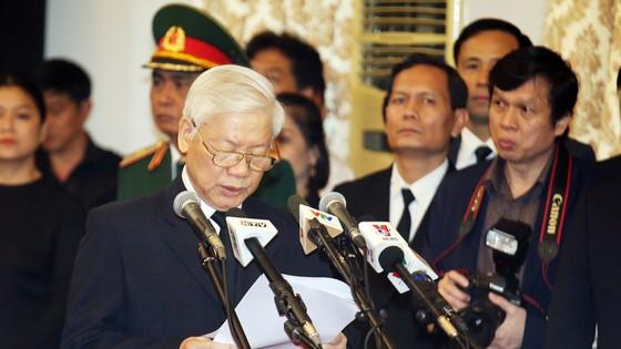 Đông đảo các tầng lớp nhân dân đưa tiễn nguyên Thủ tướng Phan Văn Khải ảnh 1