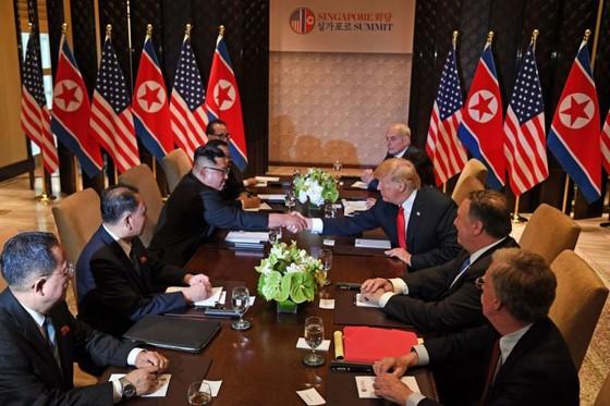 Hội nghị thượng đỉnh Mỹ - Triều Tiên: Lãnh đạo hai nước bắt đầu gặp nhau ảnh 8