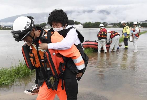 Hơn 100 người chết và mất tích trong đợt mưa lớn kỷ lục tại Nhật ảnh 2