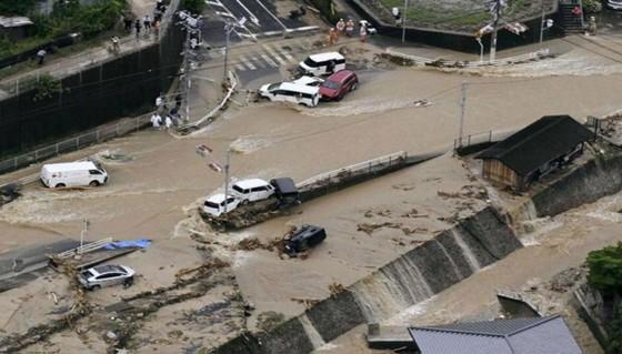Hơn 100 người chết và mất tích trong đợt mưa lớn kỷ lục tại Nhật ảnh 11