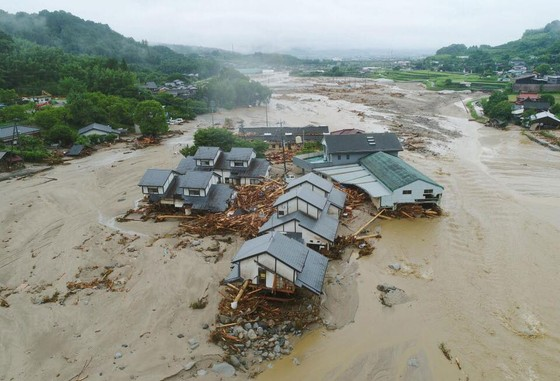 Hơn 100 người chết và mất tích trong đợt mưa lớn kỷ lục tại Nhật ảnh 12