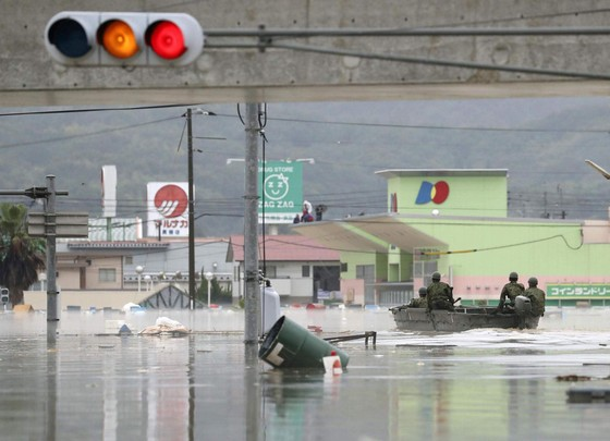 Hơn 100 người chết và mất tích trong đợt mưa lớn kỷ lục tại Nhật ảnh 18