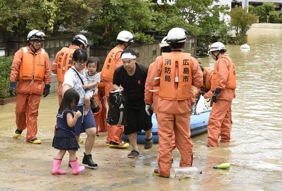 Hơn 100 người chết và mất tích trong đợt mưa lớn kỷ lục tại Nhật ảnh 5