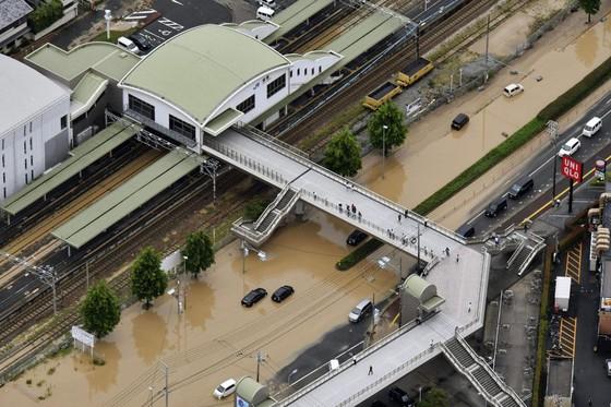 Hơn 100 người chết và mất tích trong đợt mưa lớn kỷ lục tại Nhật ảnh 21