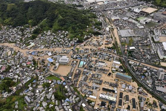 Hơn 100 người chết và mất tích trong đợt mưa lớn kỷ lục tại Nhật ảnh 23