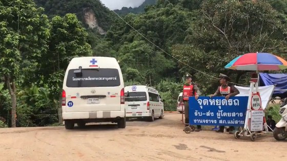 Hoạt động cứu hộ các thành viên đội bóng Thái Lan được tiếp tục ảnh 2