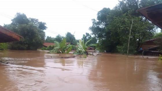 Người dân khu vực hạ lưu được thông báo sơ tán trước khi xảy ra sự cố vỡ đập thủy điện Sepien Senamnoi? ảnh 18