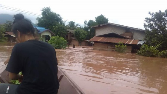 Người dân khu vực hạ lưu được thông báo sơ tán trước khi xảy ra sự cố vỡ đập thủy điện Sepien Senamnoi? ảnh 10