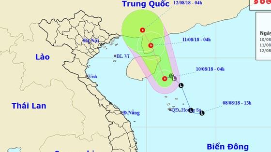 Vùng áp thấp đã mạnh lên thành áp thấp nhiệt đới, Biển Đông có mưa dông, gió giật cấp 8  ảnh 1