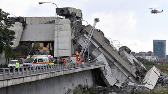 Vụ sập cầu tại Italy: Chính phủ bắt đầu tiến trình thu hồi giấy phép của công ty Autostrade per lItalia  ảnh 1