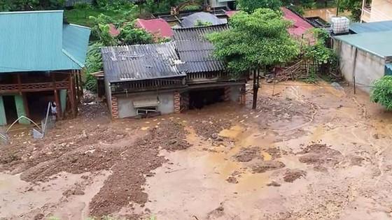 Thanh Hóa: Một trường học bị sập trước thềm năm học mới do mưa lũ ảnh 1