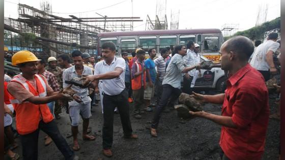 Sập cầu tại Ấn Độ, 1 người thiệt mạng, 19 người bị thương ảnh 3