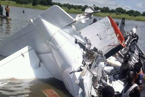 Máy bay chở khách rơi xuống hồ ở Nam Sudan, 17 người thiệt mạng ảnh 1