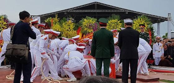 Linh cữu Chủ tịch nước đã về quê hương Quang Thiện ảnh 8