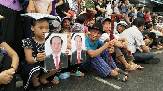 Linh cữu Chủ tịch nước đã về quê hương Quang Thiện ảnh 45