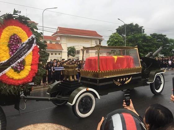 Linh cữu Chủ tịch nước đã về quê hương Quang Thiện ảnh 29