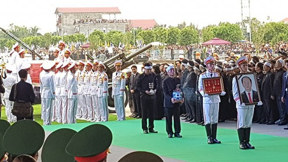 Linh cữu Chủ tịch nước đã về quê hương Quang Thiện ảnh 23