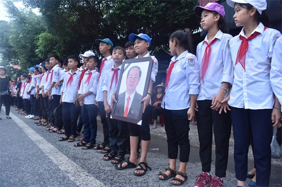 Linh cữu Chủ tịch nước đã về quê hương Quang Thiện ảnh 37