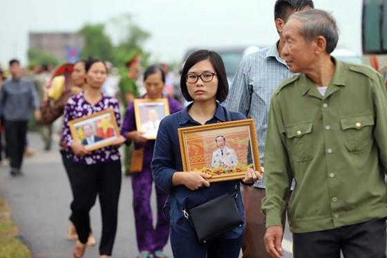 Linh cữu Chủ tịch nước đã về quê hương Quang Thiện ảnh 40