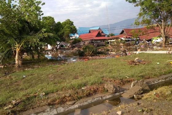 Số nạn nhân thiệt mạng do động đất và sóng thần tại Indonesia đã lên tới gần 400 người ảnh 9