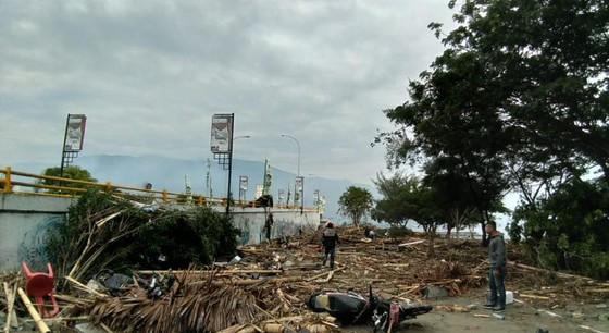 Số nạn nhân thiệt mạng do động đất và sóng thần tại Indonesia đã lên tới gần 400 người ảnh 5