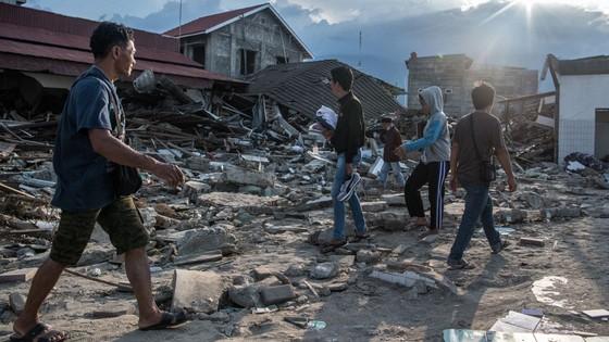 Số người thiệt mạng và mất tích trong vụ động đất và sóng thần tại Indonesia lên tới hơn 1.670 người ảnh 5