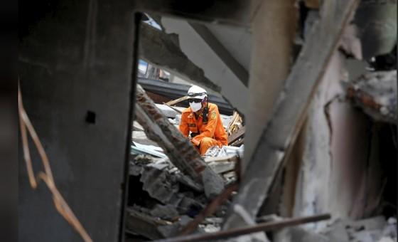 Nỗ lực ngày cuối cùng tìm kiếm nạn nhân vụ động đất, sóng thần tại Indonesia ảnh 10