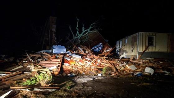 Siêu bão Michael tấn công Florida: 17 người chết, một căn cứ quân sự bị san bằng, cả thị trấn bị xóa sổ ảnh 23
