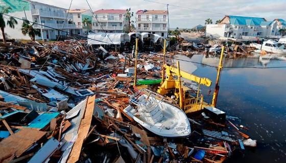 Siêu bão Michael tấn công Florida: 17 người chết, một căn cứ quân sự bị san bằng, cả thị trấn bị xóa sổ ảnh 3